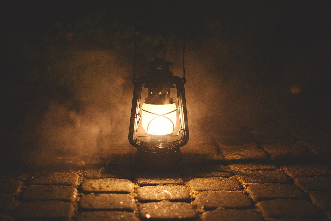 7 Best Kerosene Lamps And Lanterns